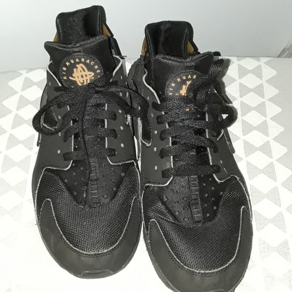 official photos 3d535 3443c Nike Huarache with gold strap